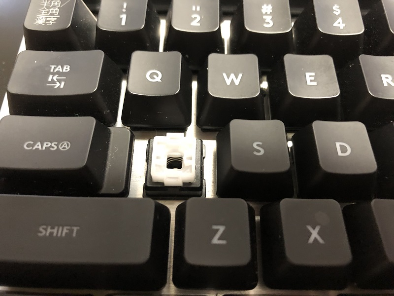 G413 メカニカルキーボード