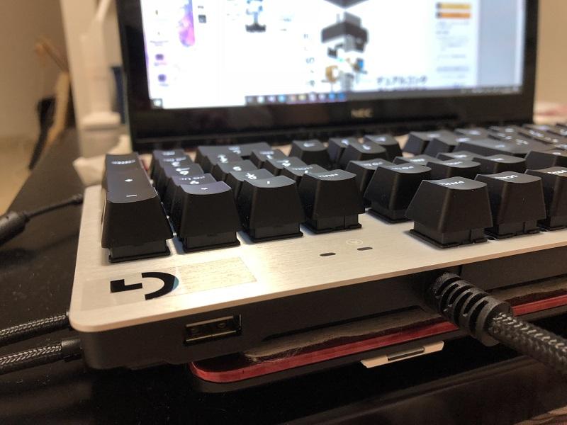 G413 USBポート