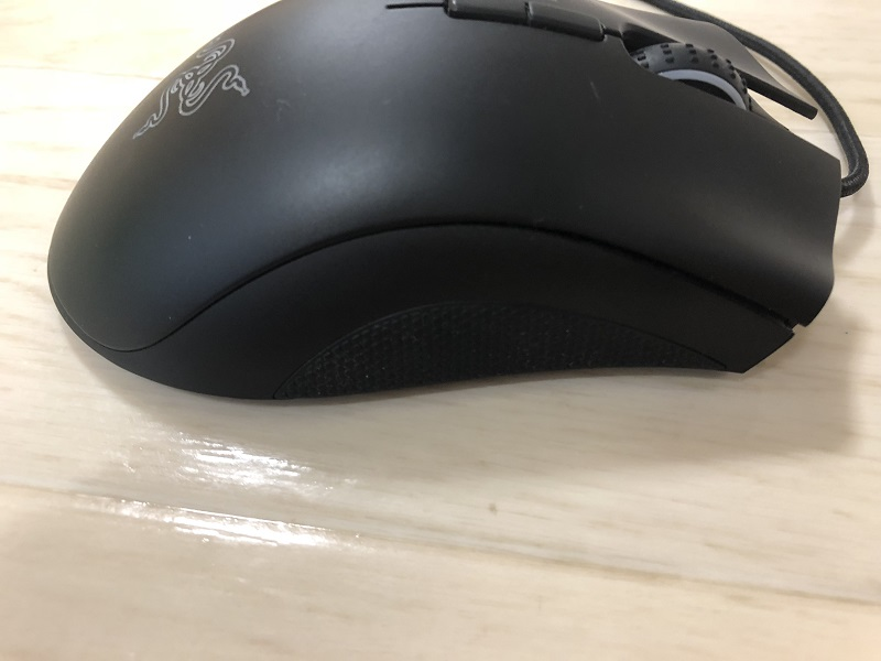 razer-deathadder-elite 右側